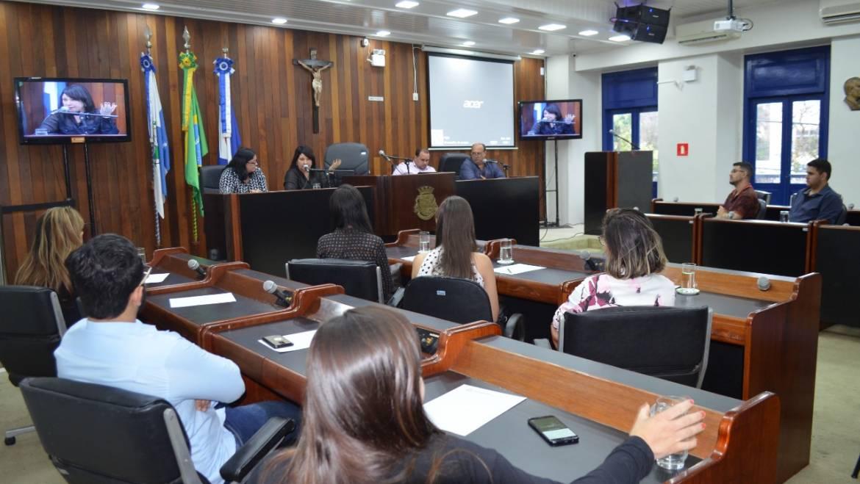 Estudantes de Direito da Estácio visitam a Câmara de Cabo Frio