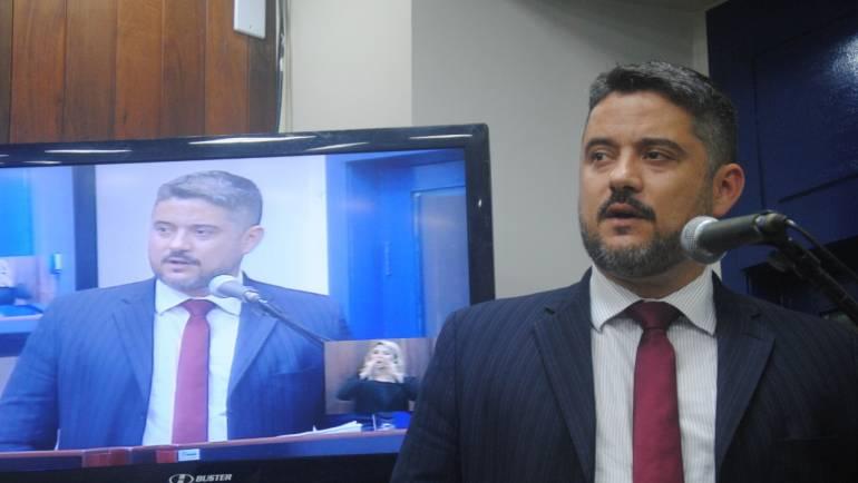 Thiago Vasconcelos assume vaga na Câmara de Cabo Frio